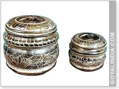 Round Engraved Box With Lid
